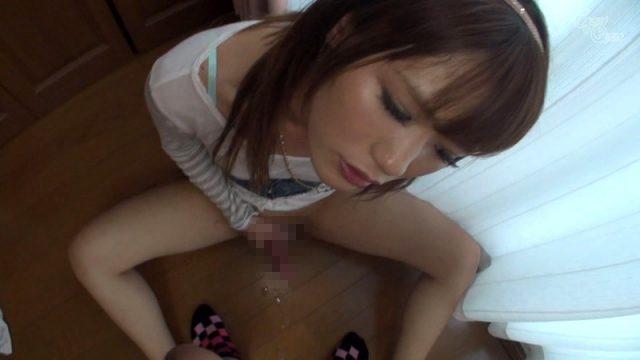 大島薫 大乱交でアナルに指をズボズボされながら手コキでイっちゃう動画