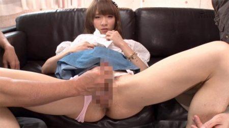 灯里 女装美少年が中年オヤジにアナルを舐められながら手コキされる 画像