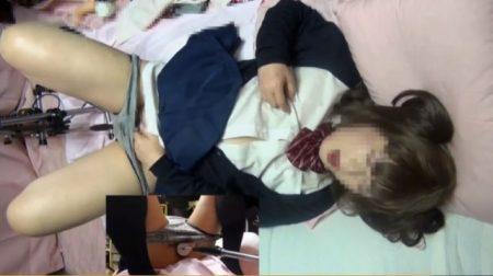 制服コスプレした男の娘がファッキングマシンで犯され風アナニーwww 画像