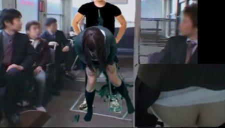 制服コスプレした男の娘が通学バスでマッチョ男に犯されてる風アナニーwww 画像