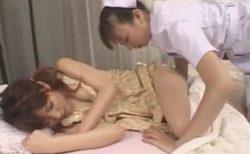 ふたなりナースが入院中の美少女を夜這いしてチンポもハメちゃうwww 画像